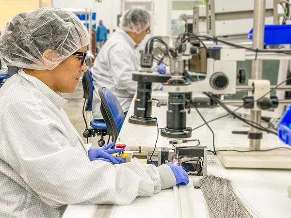 Particolari-per-dispositivi-medici-chirurgici-faenza